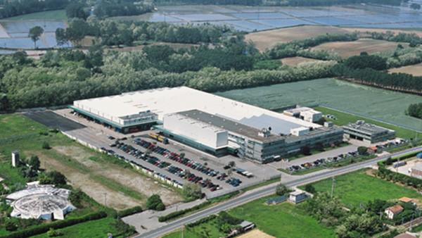 INA rullini è completamente dedicata alla vendita ed ai servizi, per effetto della cessione di ramo d'azienda alla costituenda WPB.